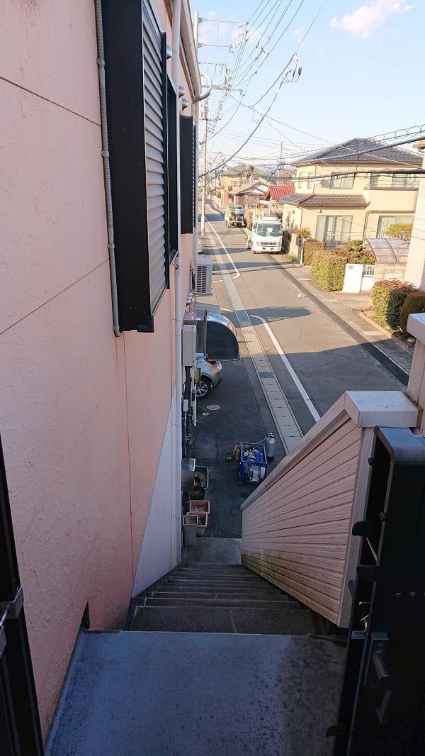 外階段の様子