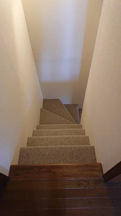 階段手すり取り付け前
